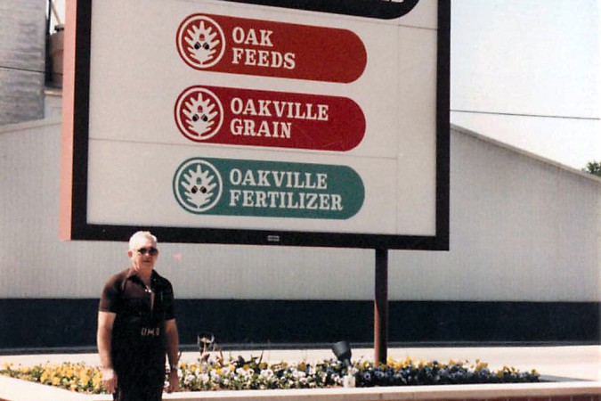 Oakville Feed & Grain Sign