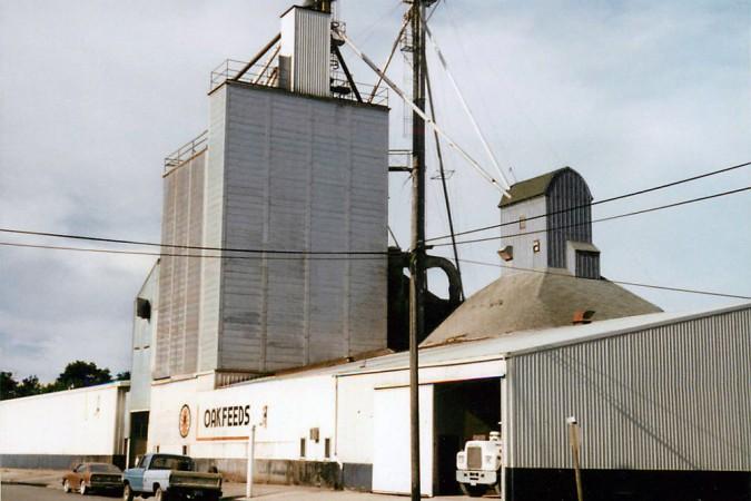 OakFeeds Building 1976
